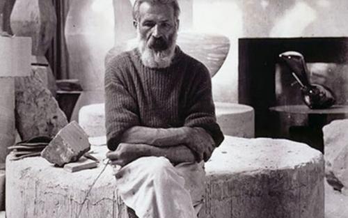 latelier-brancusi-lespace-intime-dun-sculpteur-philosophe-e1483722914718-750x450@2x.jpg