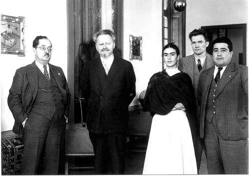 Trotsky y Frida Kahlo.jpeg