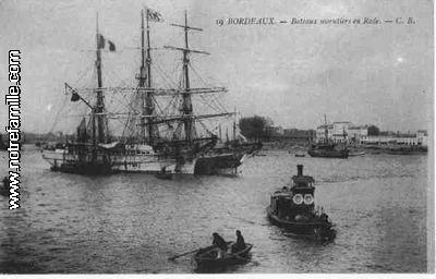 cartes-postales-photos-Bateaux-Morutiers-en-Rade-BORDEAUX-33000-33-33063005-maxi.jpg