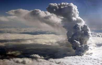 nuage-volcan-islande_pics_390.jpg