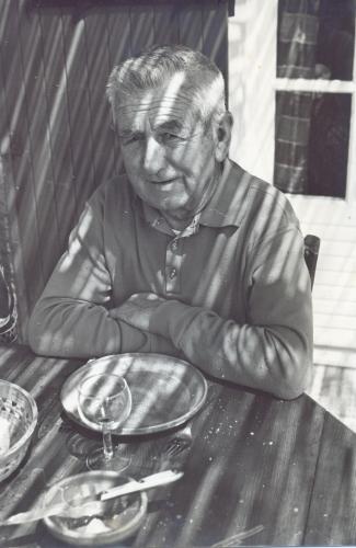 Papy à carbon blanc 1977.jpg