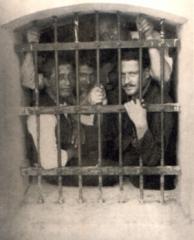 youngnazim-hikmet-in-prison1.jpg