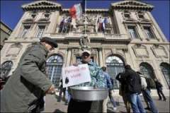 Arrete-anti-mendicite-a-Marseille-des-mendiants-sous-les-fenetres-de-Gaudin_medium.jpg